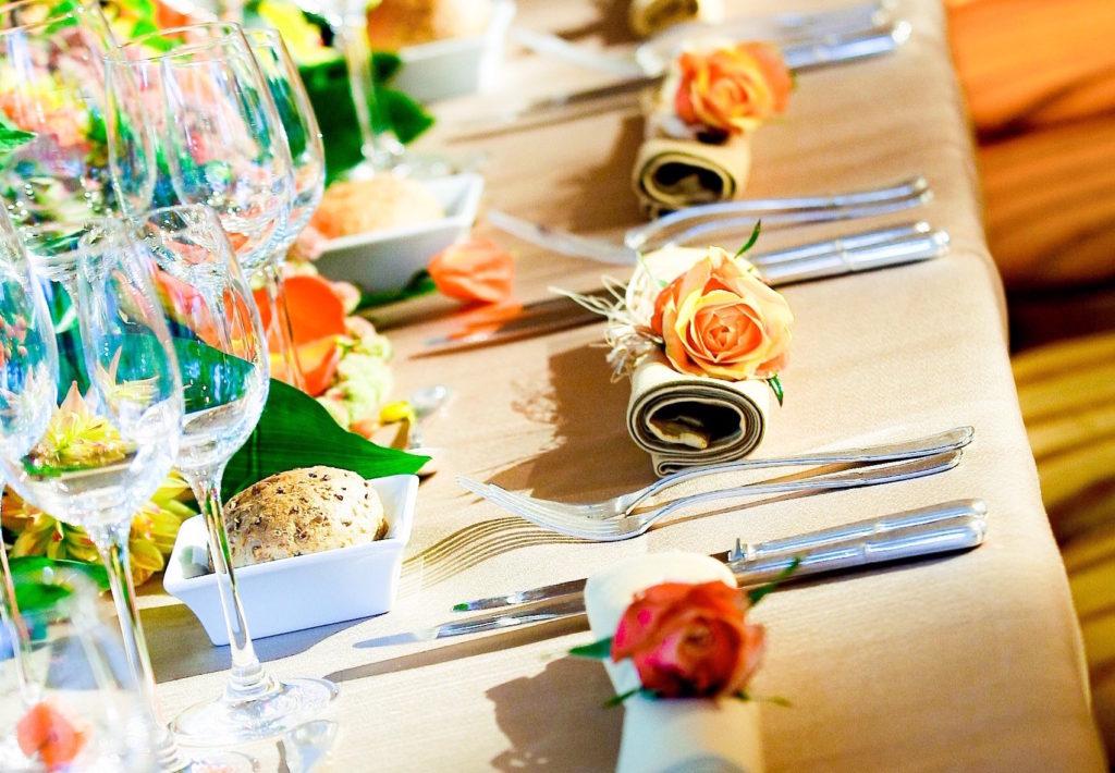 Een gedekte tafel voor een privé-evenement door Traiteur Lefevere in Brussel